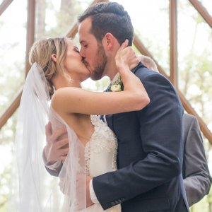 7 Things You Should and Shouldn't Wear to a WeddingTheList.com
